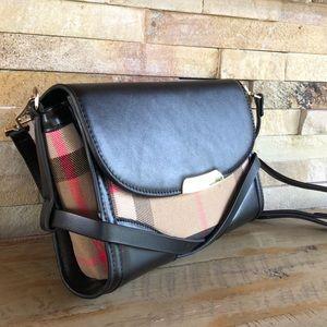 Fun, stylish plaid purse...